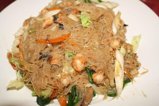 Bami goreng udang (fried noodles w/ shrimps) - Indonesia (Bali)