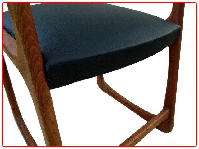 Chaises vintage rénovées skai
