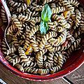 Salade de pâtes au pesto d'olives