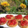 Tartelettes pâte maison aux fraises mara cirano du jardin sur compotée de pommes