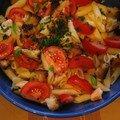 Salade de penne (tomate-poulet-croûtons)