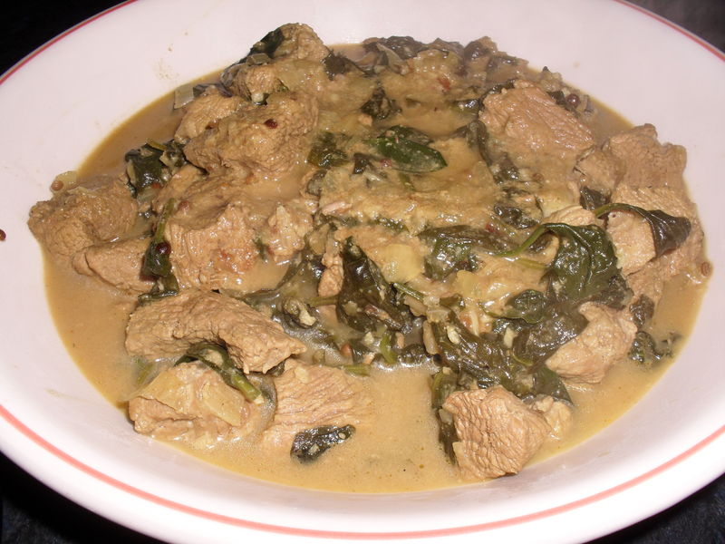 CURRY D AGNEAU AUX EPINARDS