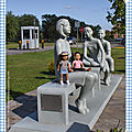 Parc de la baie de magog et statues anti-intimidation - park of the bay of magog and anti-bullying statues
