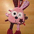 attache_t_tine_lapin_rose_prune__2_