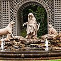 La fontaine et ses personnages