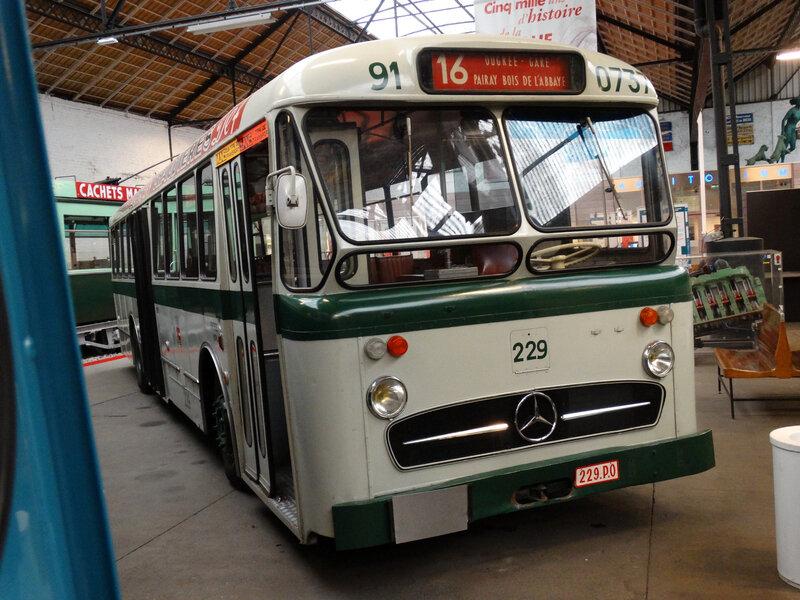 MERCEDES 229 autobus Société des Transports Intercommunaux de la Région Liégeoise 1963 (1)