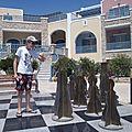 Les échecs (Loann, Santorini Perivolos, juillet 2012)