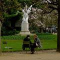 Intimité au jardin du Luxembourg.