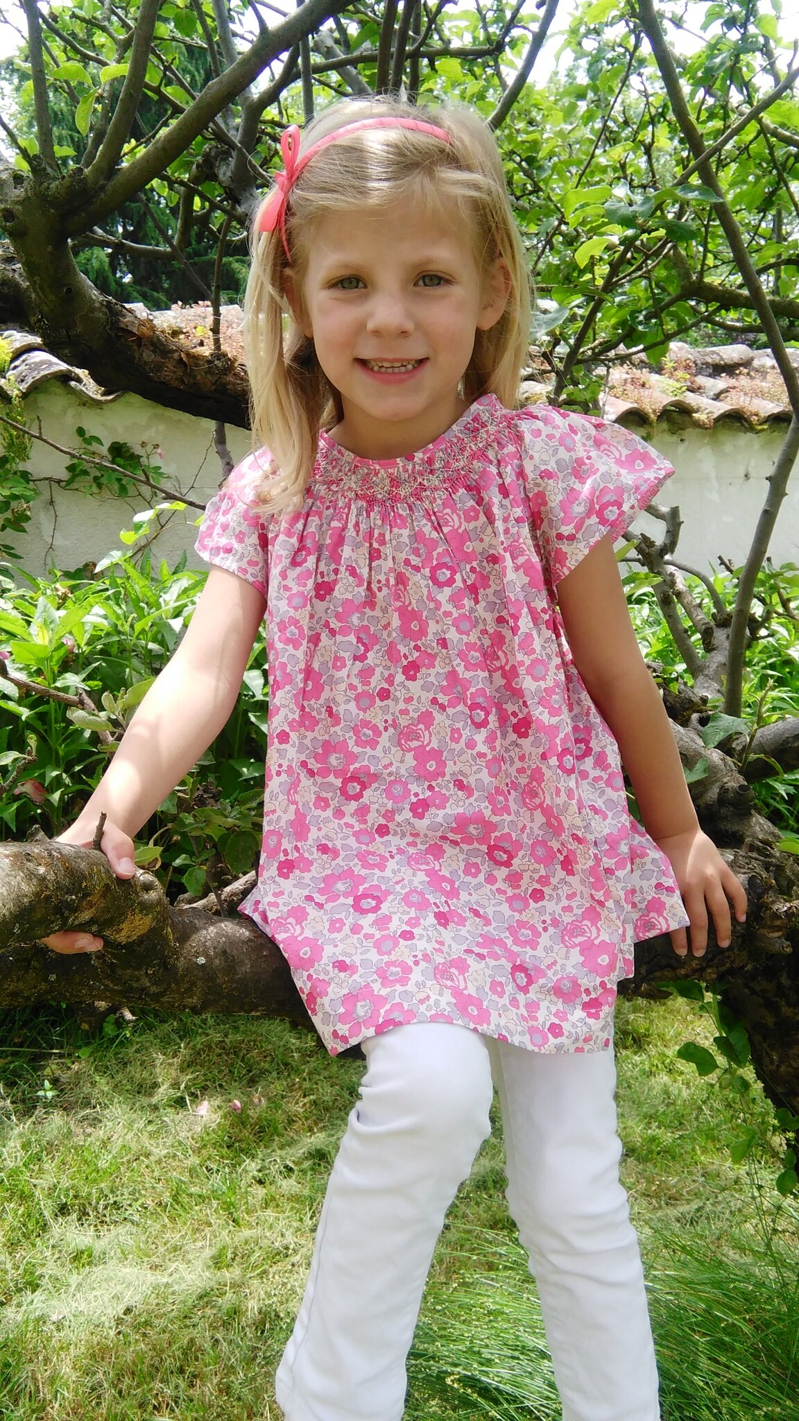 Mode fille : les placards de Sixtine fleurissent -> Blouse Liberty Betsy Bougainvilliers made by TANIOUCHKA COUD