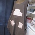 Robe CELESTE en lin taupe - version 5 poches multi-tissus roses - taille 52 (1)