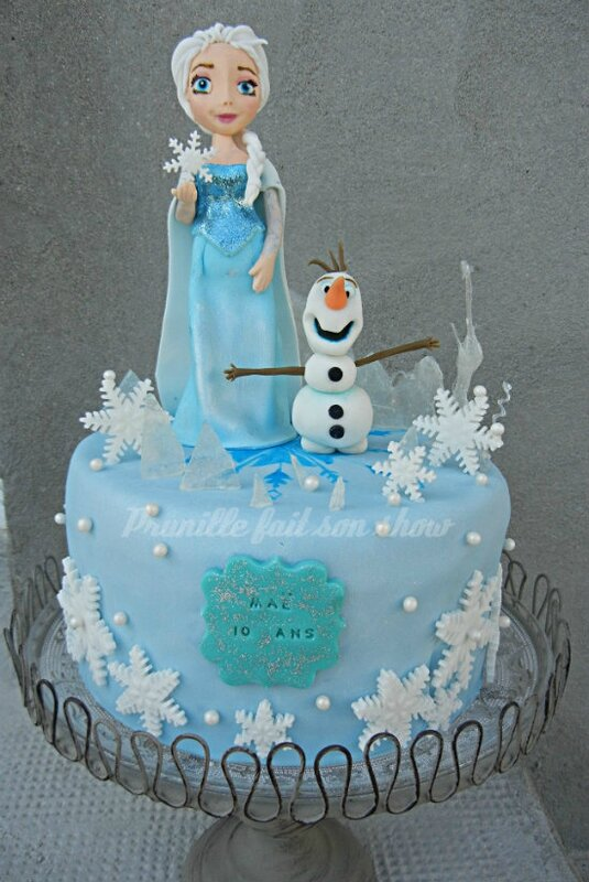 gateau la reine des neiges disney elsa et olaf en p te sucre frozen cake prunille fait. Black Bedroom Furniture Sets. Home Design Ideas