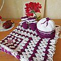 Trousseau de naissance : couverture, chaussons, bonnet et doudous étiquettes