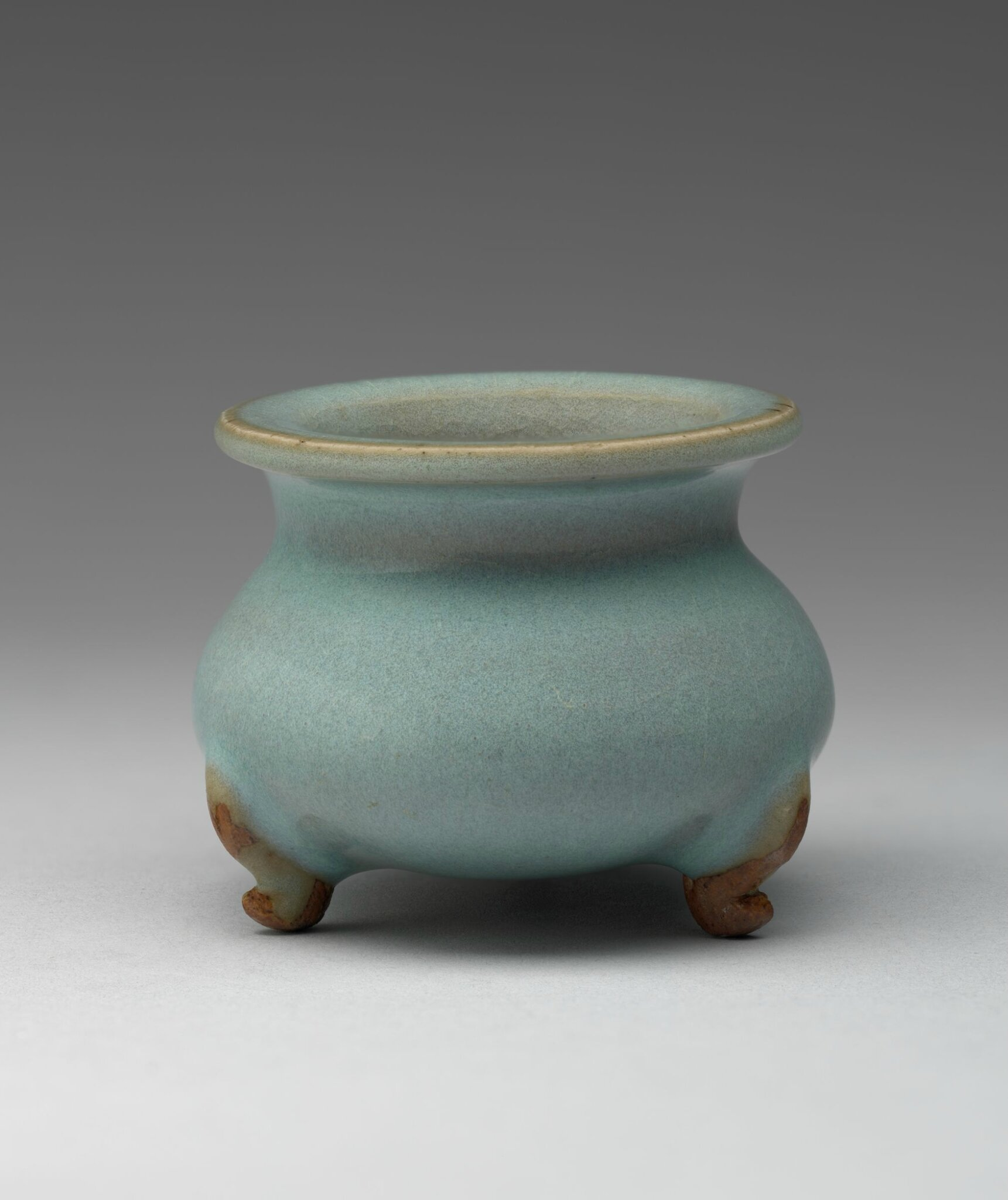 Small Censer in the Form of an Archaic Bronze 'Ding' Tripod Vessel, Jin dynasty, 1115-1234, 12th-13th century