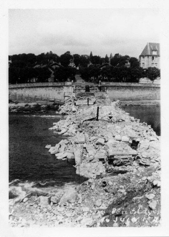 juin 40 destruction pont canot