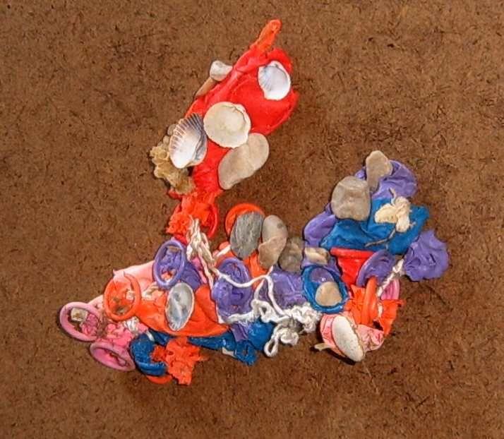 Déchets plastiques dans l'eau et coquillages - Non aux lâchers de ballons - pollution macrodéchets
