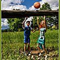 Sarah et jeremy s'entraînent au basket - sarah and jeremy train in basketball