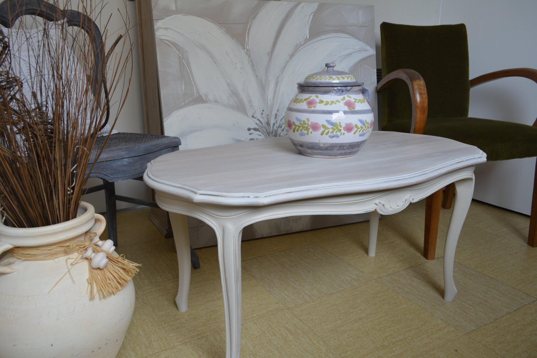 Table basse de style Régence