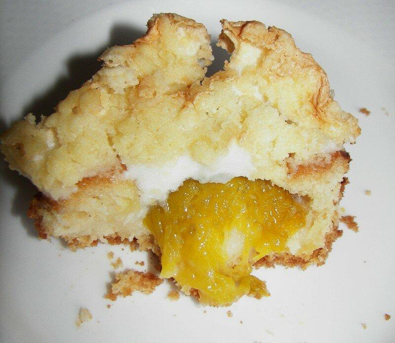 Gâteaux aux prunes meringué