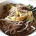 Soba aux légumes et tofu