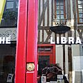 Vitrine de la librairie, Lilly in the vallee
