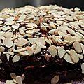 Gâteau au chocolat, amandes et physalis
