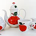 Vaisselle vintage ... service à café bavaria * pommes rouges