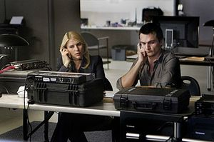 Homeland-Season-2-Episode-4-New-Car-Smell-7