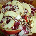 Salade de trevise aux pommes et aux noix