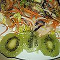Salade exotique colorée