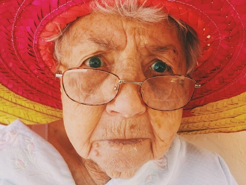 old-woman-945448_960_720