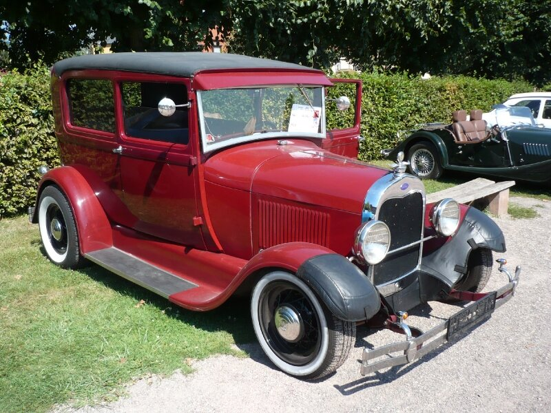 FORD A Roadster Hot Rod 1928 Saverne (1)