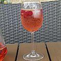 Apéritif : cocktail rosé pamplemousse et framboise maison
