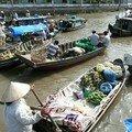 Vendeurs en bateau
